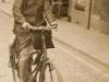 Claire op de fiets